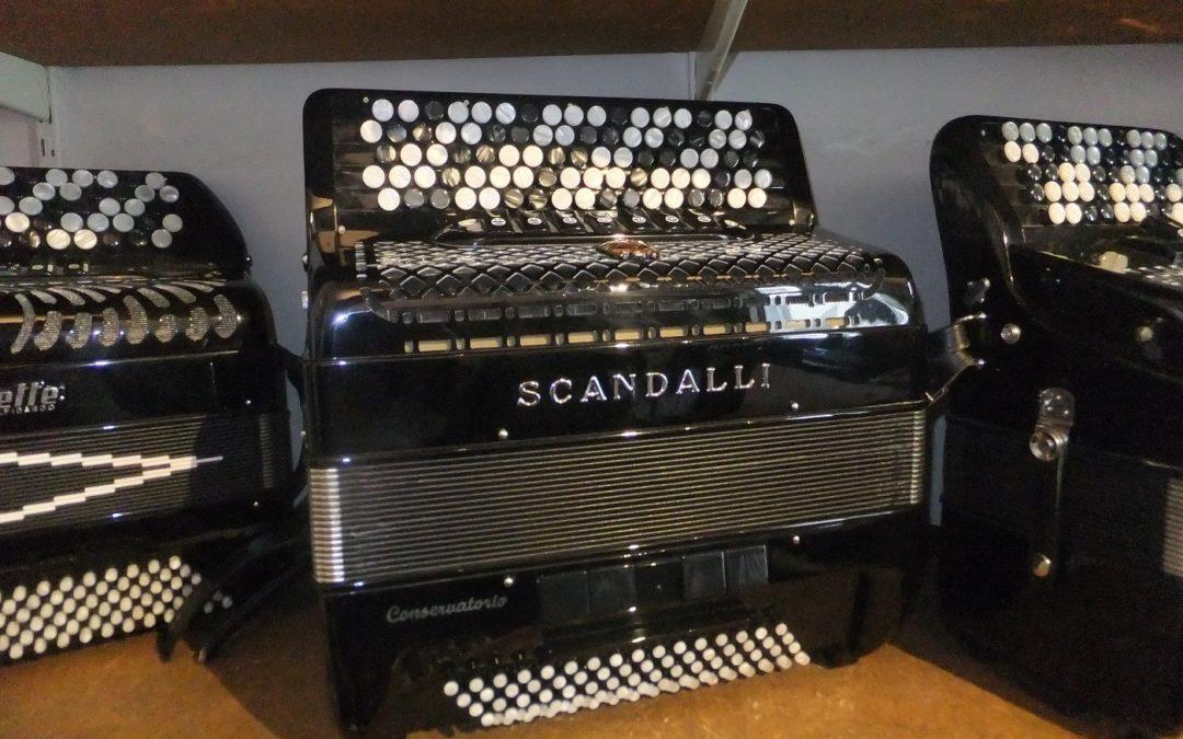 Godt tilbud på Scandalli Conservatorio C342